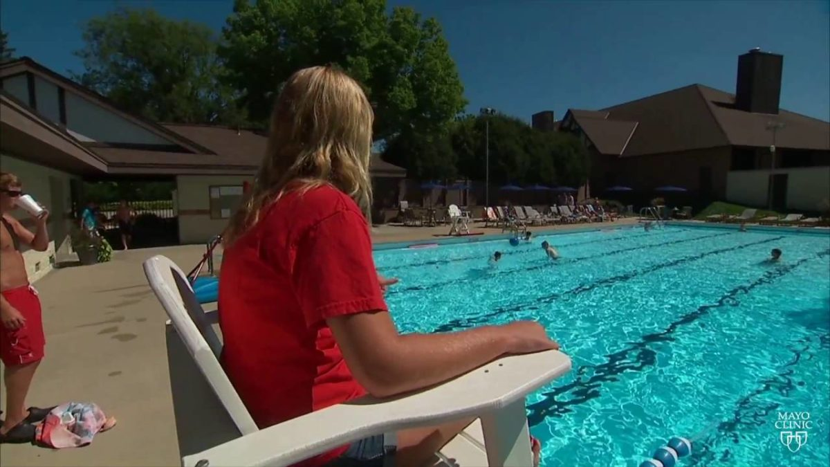 Mayo Clinic Minute: Swimming pool sickness safety