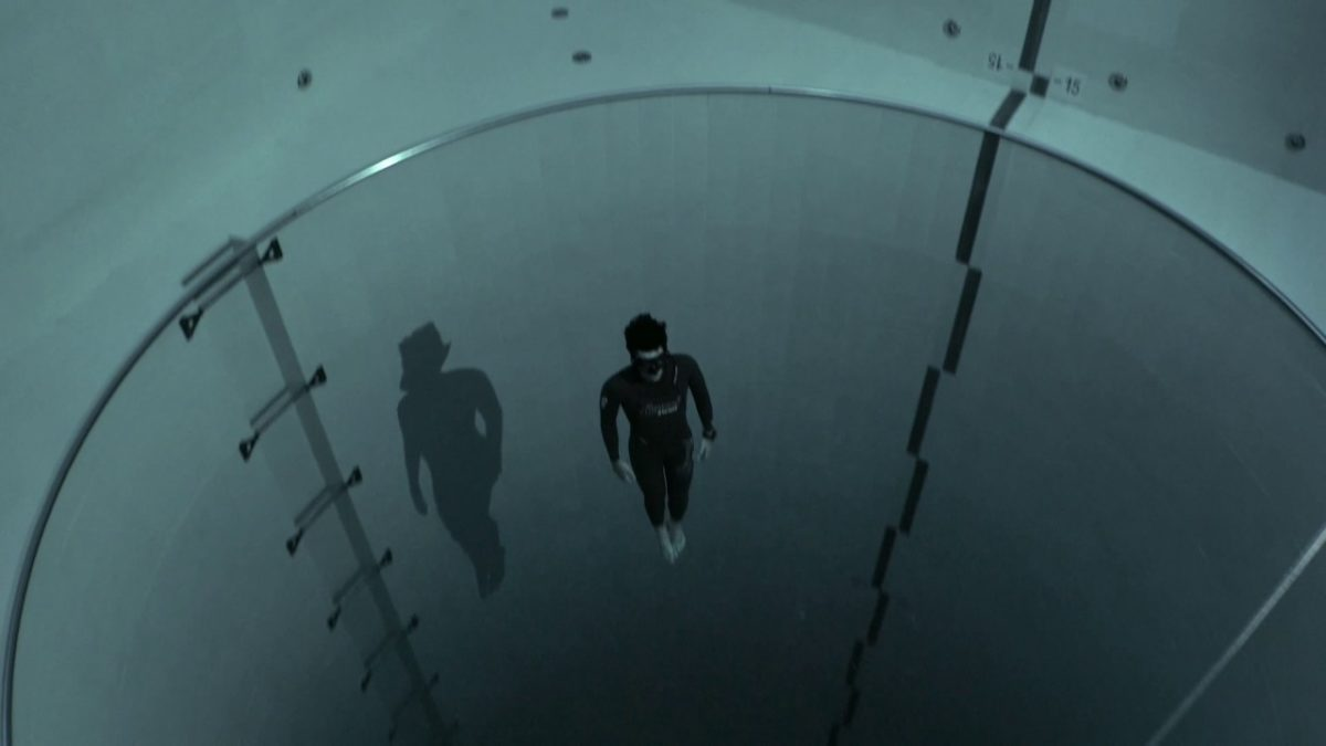 Y40 jump: Guillaume Néry explores the deepest pool in the world